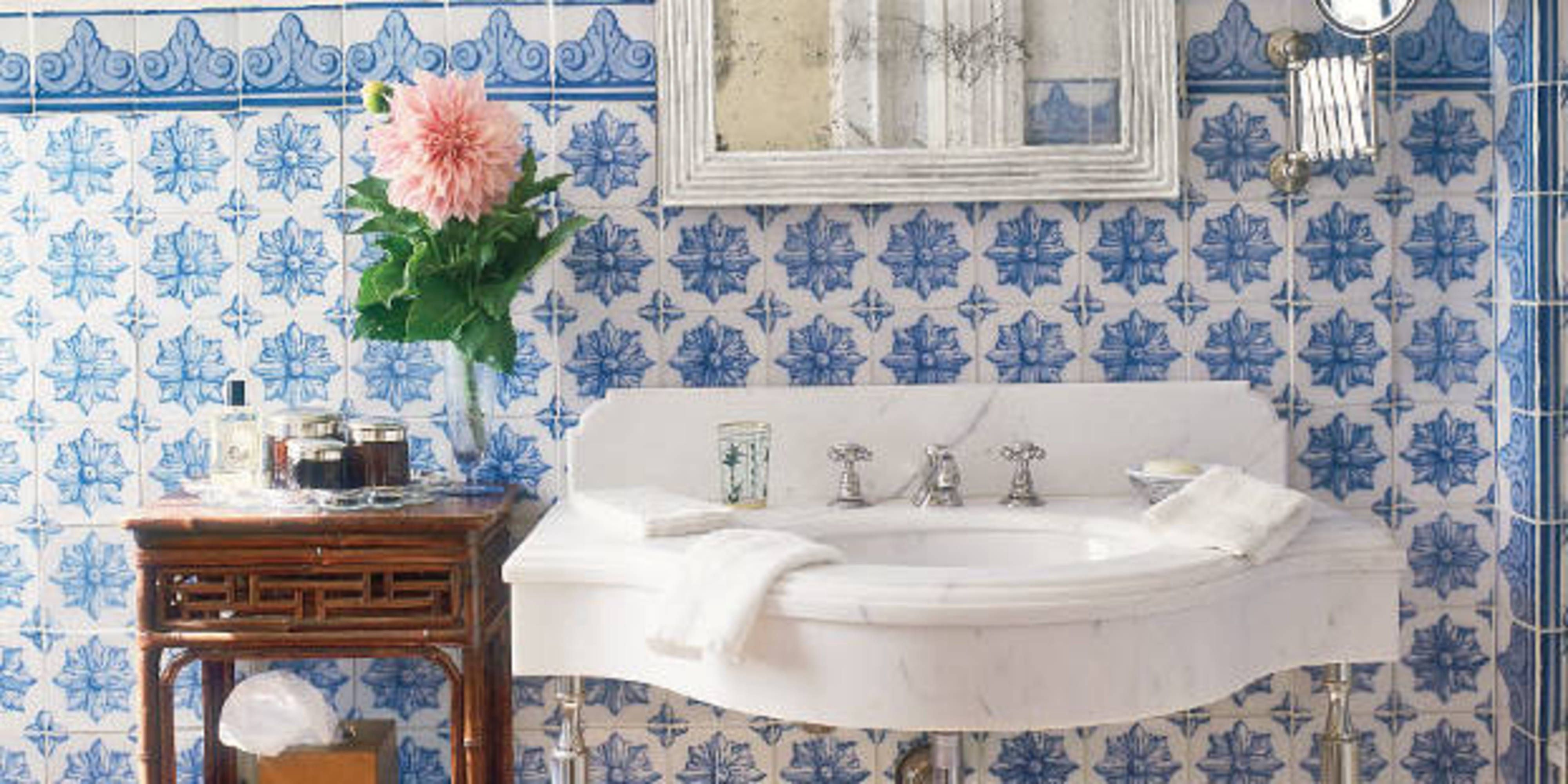 The Best Ceramic Tiles For Bathrooms Kitchens And Fireplaces