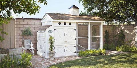 Wood, Property, House, Real estate, Door, Land lot, Flowerpot, Roof, Home, Fixture,