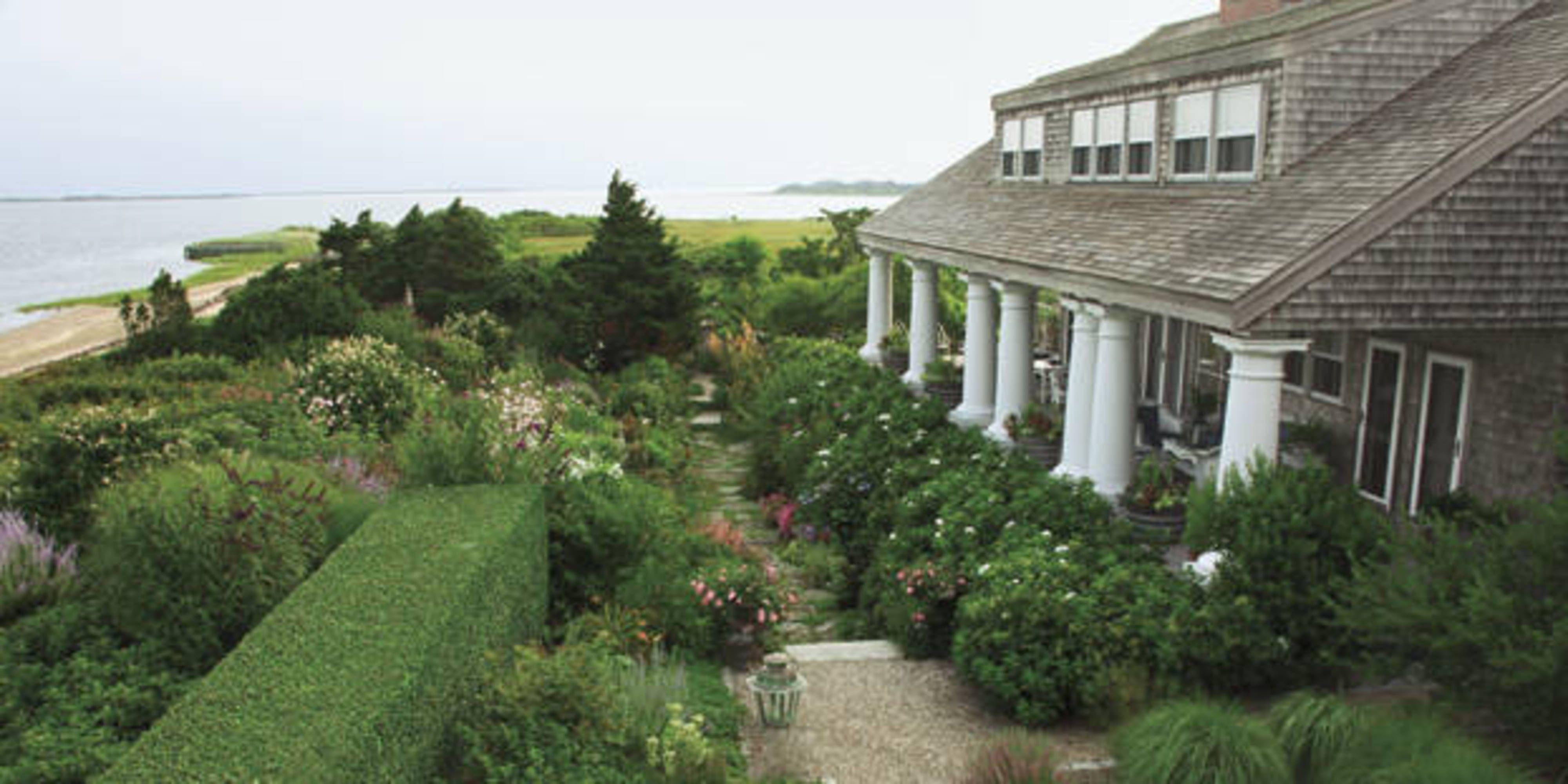 Superbe Nantucket Seaside Garden   Susan Burke Design