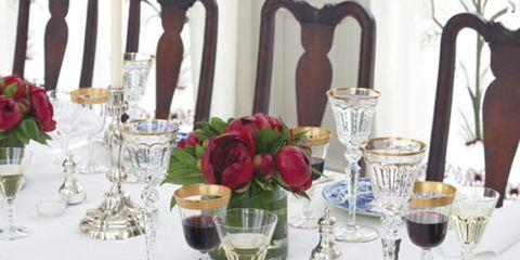 Serveware, Stemware, Glass, Dishware, Tablecloth, Drinkware, Tableware, Furniture, Centrepiece, Linens,