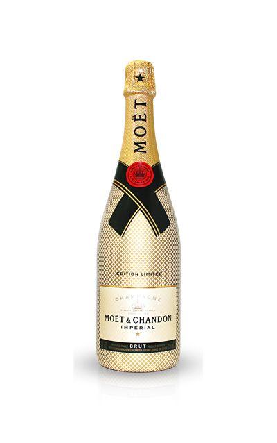 Glass bottle, Bottle, Drink, Alcoholic beverage, Logo, Font, Distilled beverage, Alcohol, Beige, Wine bottle,