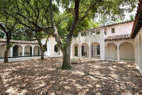 Property, Real estate, House, Arch, Shade, Arcade, Door, Column, Courtyard, Hacienda,
