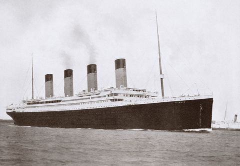 Boat, Watercraft, Ocean liner, Atmospheric phenomenon, Royal mail ship, Naval architecture, Steamboat, Ship, Passenger ship, Grey,