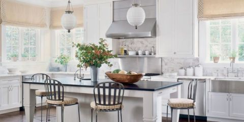 White Kitchen Paints Are Still Red Hot Yet Getting The Ideal Shade Isn T Easy Five Designers Share Their Favorites