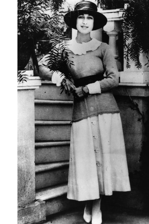 American socialite Wallis Spencer (nee Bessie Wallis Warfield) (1896 - 1986) wife of US navy officer Lieutenant Earl Winfield Spencer, in California. The marriage was dissolved in 1927 and she later became Duchess of Windsor after her marriage to Edward VIII in 1937.    (Photo by Keystone/Getty Images)