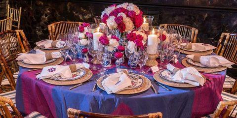 Tablecloth, Dishware, Furniture, Textile, Table, Serveware, Linens, Home accessories, Porcelain, Decoration,