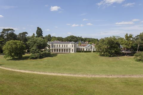 Property, Land lot, Real estate, Plain, Lawn, House, Manor house, Villa, Garden, Home,