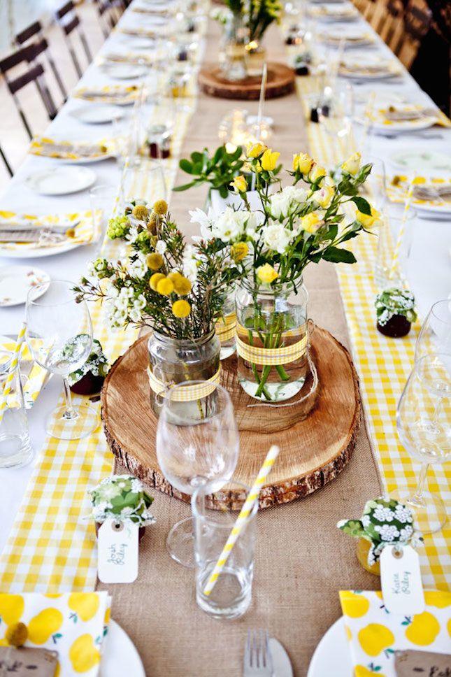 Centros de mesa con tarros de cristal