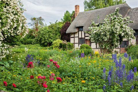 4 Garden Design Ideas From Shakespeare - Landscaping Ideas