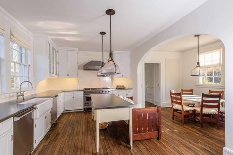 Room, Furniture, Property, Wood flooring, Countertop, Interior design, Floor, Kitchen, Building, Hardwood,