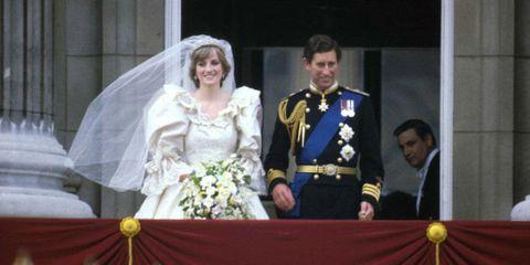 Bridal veil, Veil, Photograph, Bridal clothing, Outerwear, Formal wear, Coat, Bride, Suit, Dress,