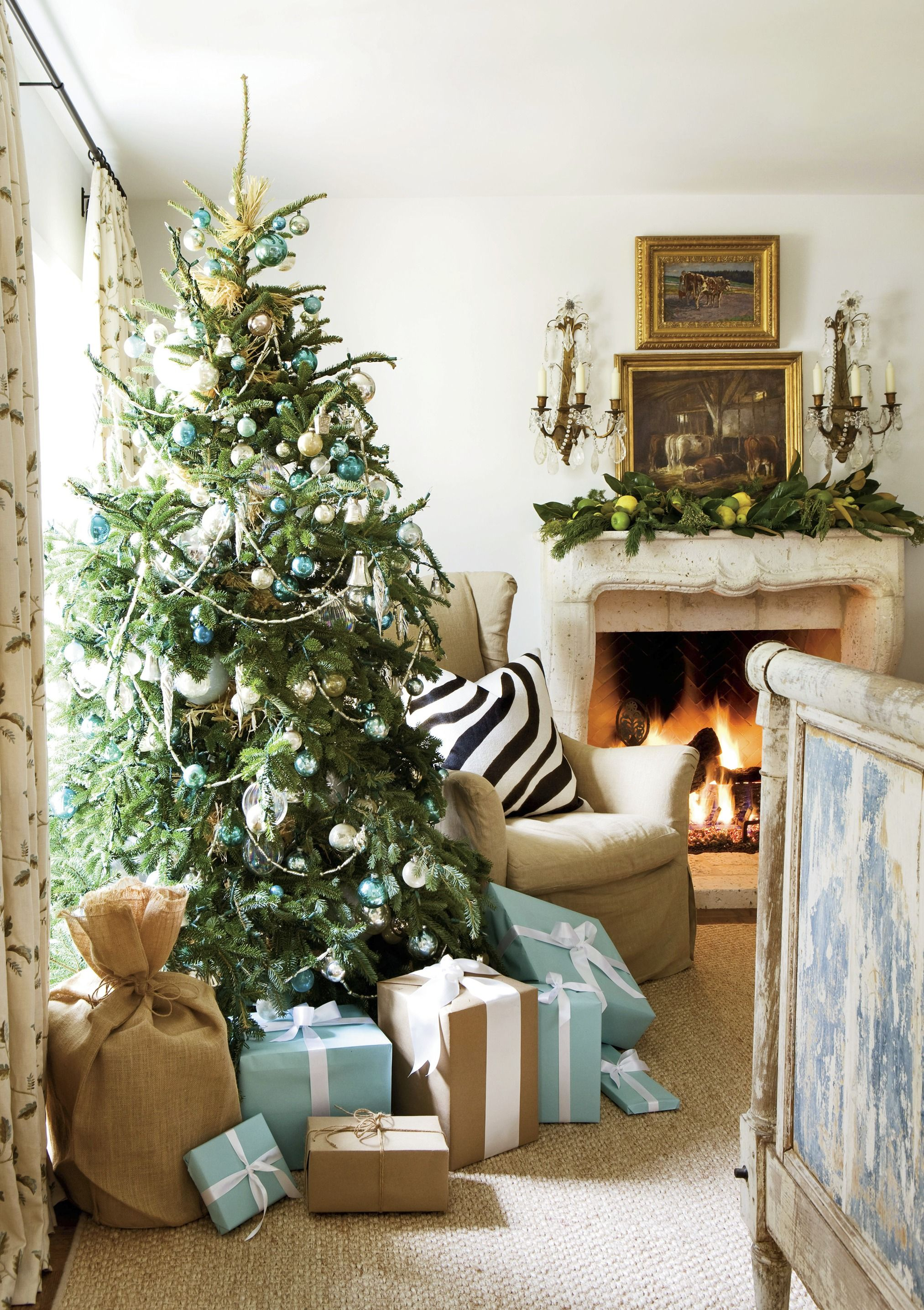 25 christmas decoration ideas christmas decorating through three decades - Tiffany Blue Christmas Decorations