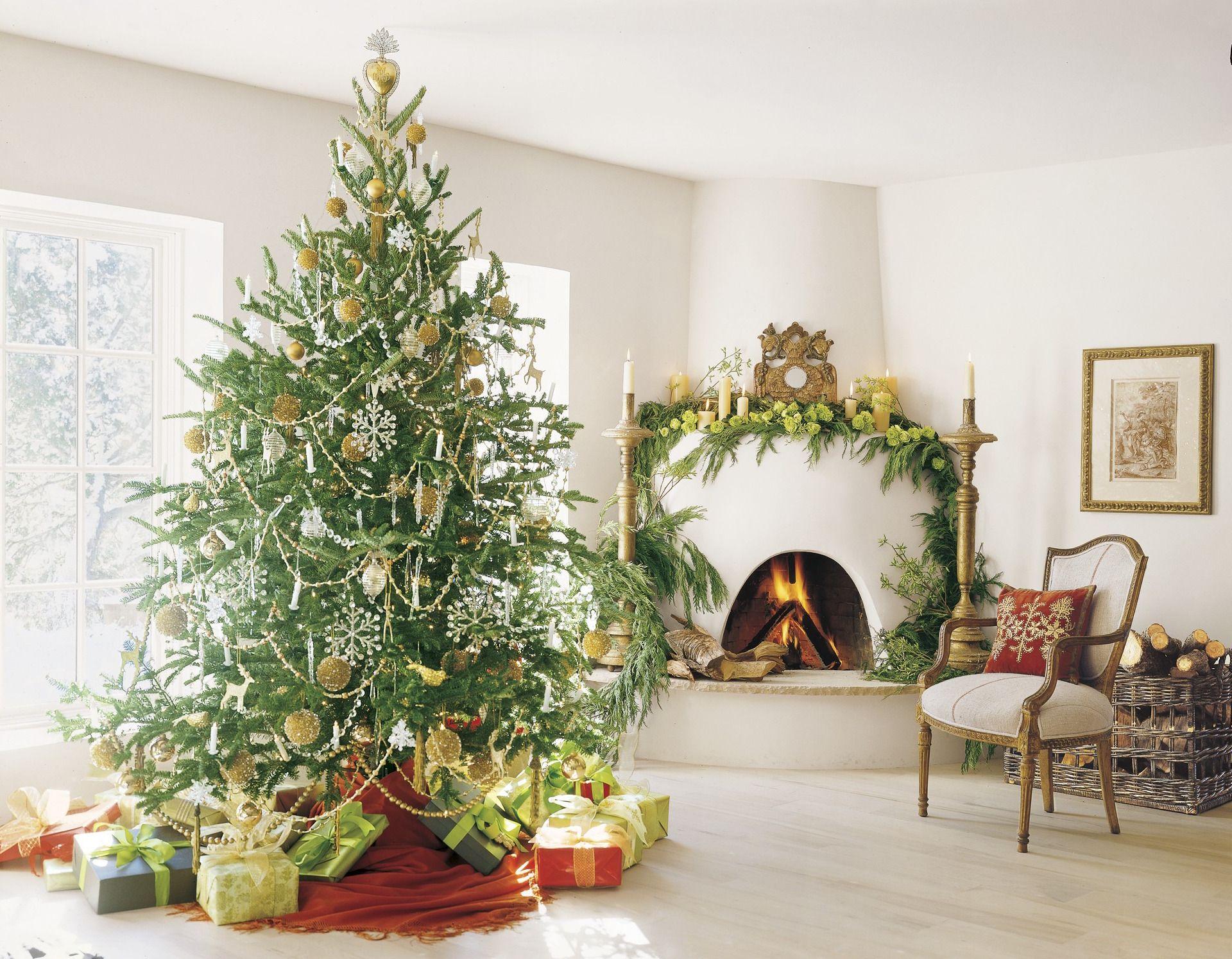 25 Christmas Decoration Ideas - Christmas Decorating Through Three ...