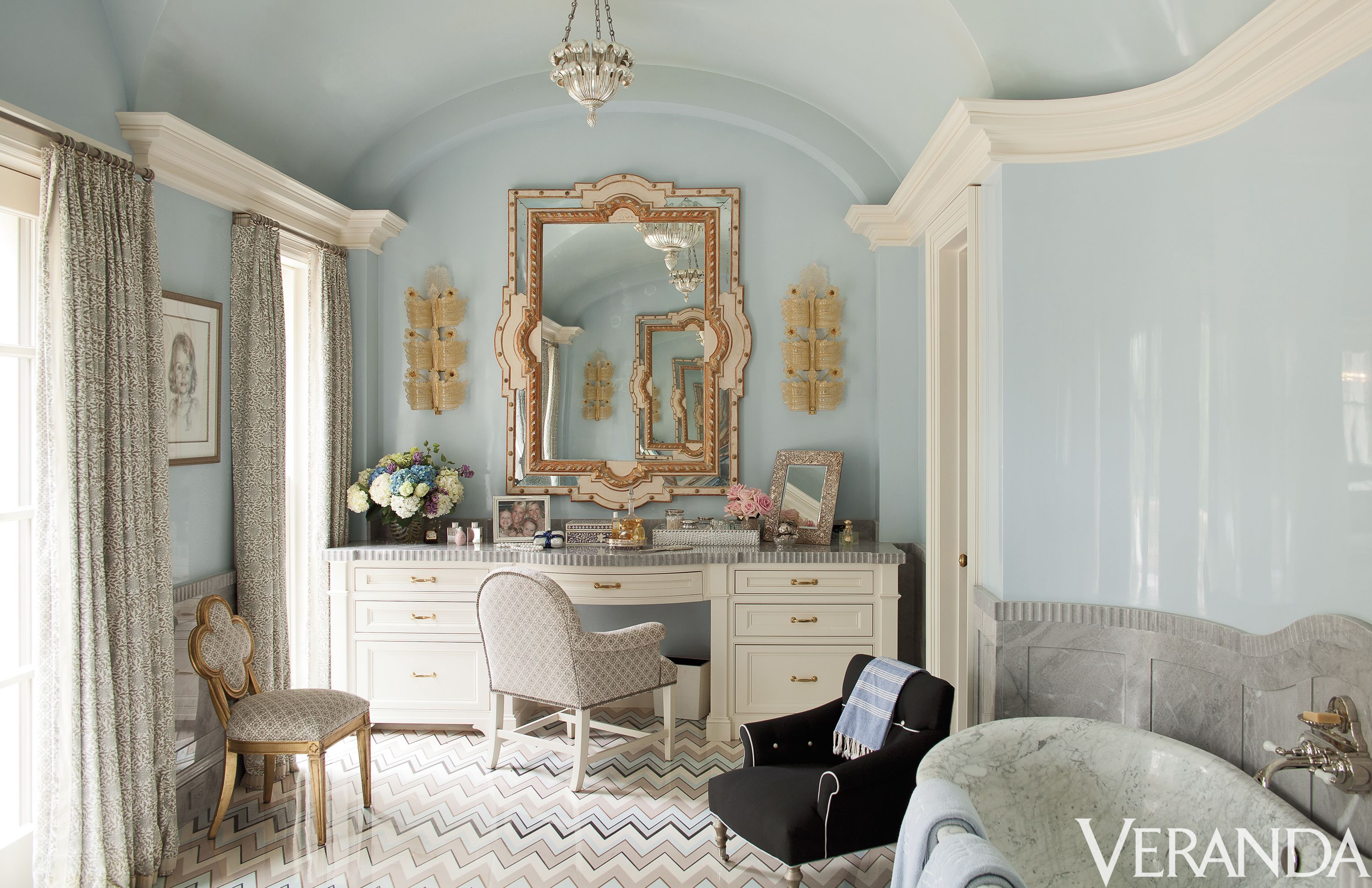 7 Best Vanity Table Ideas For A Luxurious Space