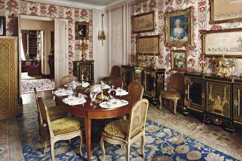 Room, Interior design, Floor, Table, Furniture, Flooring, Interior design, Chair, Dining room, Ceiling,