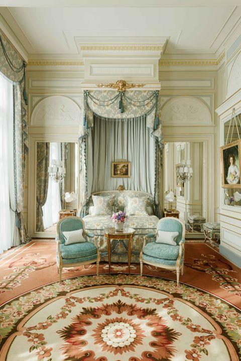 Room, Interior design, Furniture, Property, Ceiling, Living room, Bedroom, Building, Floor, Bed,