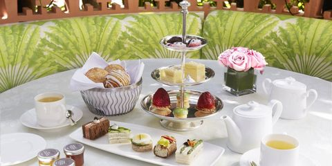 Meal, Porcelain, Tableware, Brunch, Breakfast, Tea set, Teacup, Tea party, Table, Dishware,