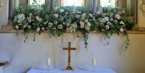 Flower Arranging, Floristry, Floral design, Flower, Plant, Ceremony, Bouquet, Artificial flower, Cut flowers, Event,