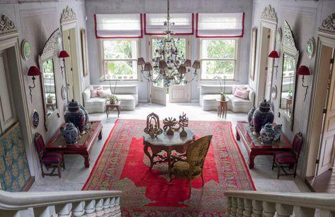 Interior design, Room, Floor, Living room, Flooring, Home, Table, Furniture, Ceiling, House,