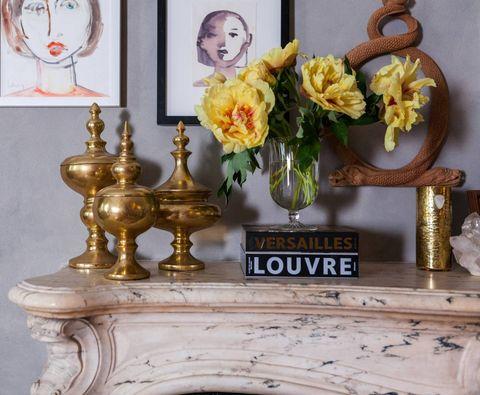 Flower, Bouquet, Petal, Interior design, Flower Arranging, Metal, Cut flowers, Floristry, Brass, Picture frame,