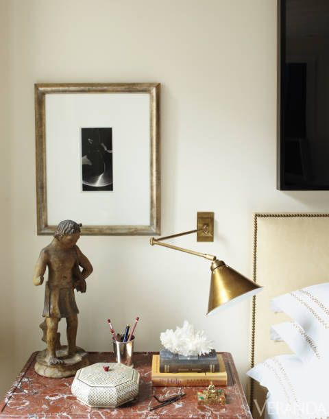 Room, Interior design, Picture frame, Sculpture, Toy, Home accessories, Lamp, Linens, Lampshade, Figurine,