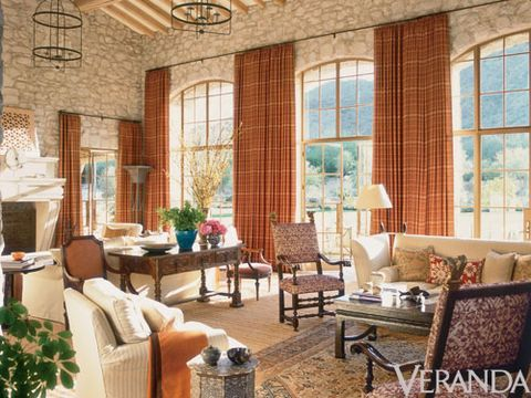 """<p>""""I try to strike a balance,"""" Smith explains, """"between rooms that are beautiful and ones<br />that are really functional""""—something the California native did to great effect in this six bedroom house for a family of five near Camelback Mountain in Paradise Valley, Arizona.</p>"""