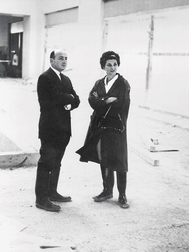 <p><b>PATSY AND RAYMOND  NASHER, 1965</b><br /> <i>Photo courtesy of the Nasher Family</i>  </p>