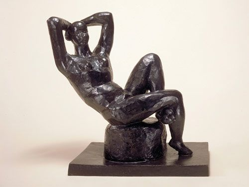 <p><b>LARGE SEATED NUDE (GRAND NU ASSIS)</b><br /> Henri Matisse, 1922-1929 (cast 1952) <br /> Bronze<br /> © 2008 Succession H. Matisse, Paris/ARS, New York</p>