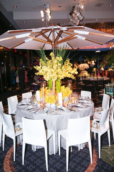 Tablecloth, Lighting, Textile, Furniture, Table, Ceiling, Linens, Interior design, Function hall, Chair,