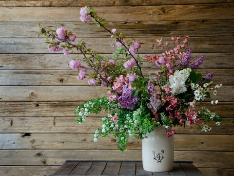Wood, Flower, Petal, Pink, Purple, Hardwood, Flowerpot, Bouquet, Flower Arranging, Floral design,