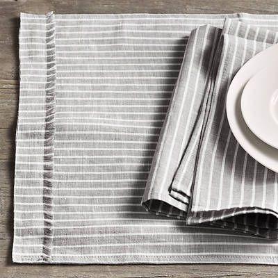 Serveware, Dishware, Tableware, Porcelain, Plate, Napkin, Linens, Home accessories, Tablecloth, Ceramic,