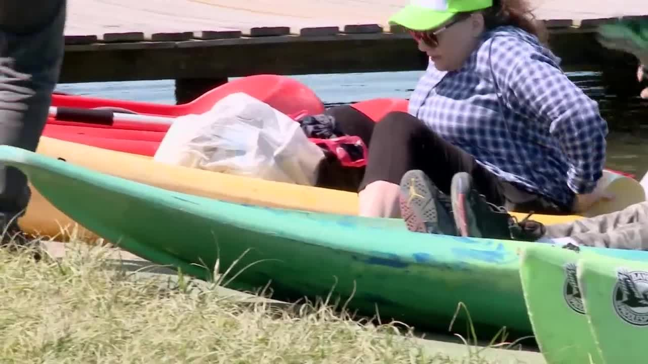 New Orleans residents celebrate Earth Day by cleaning Bayou St. John
