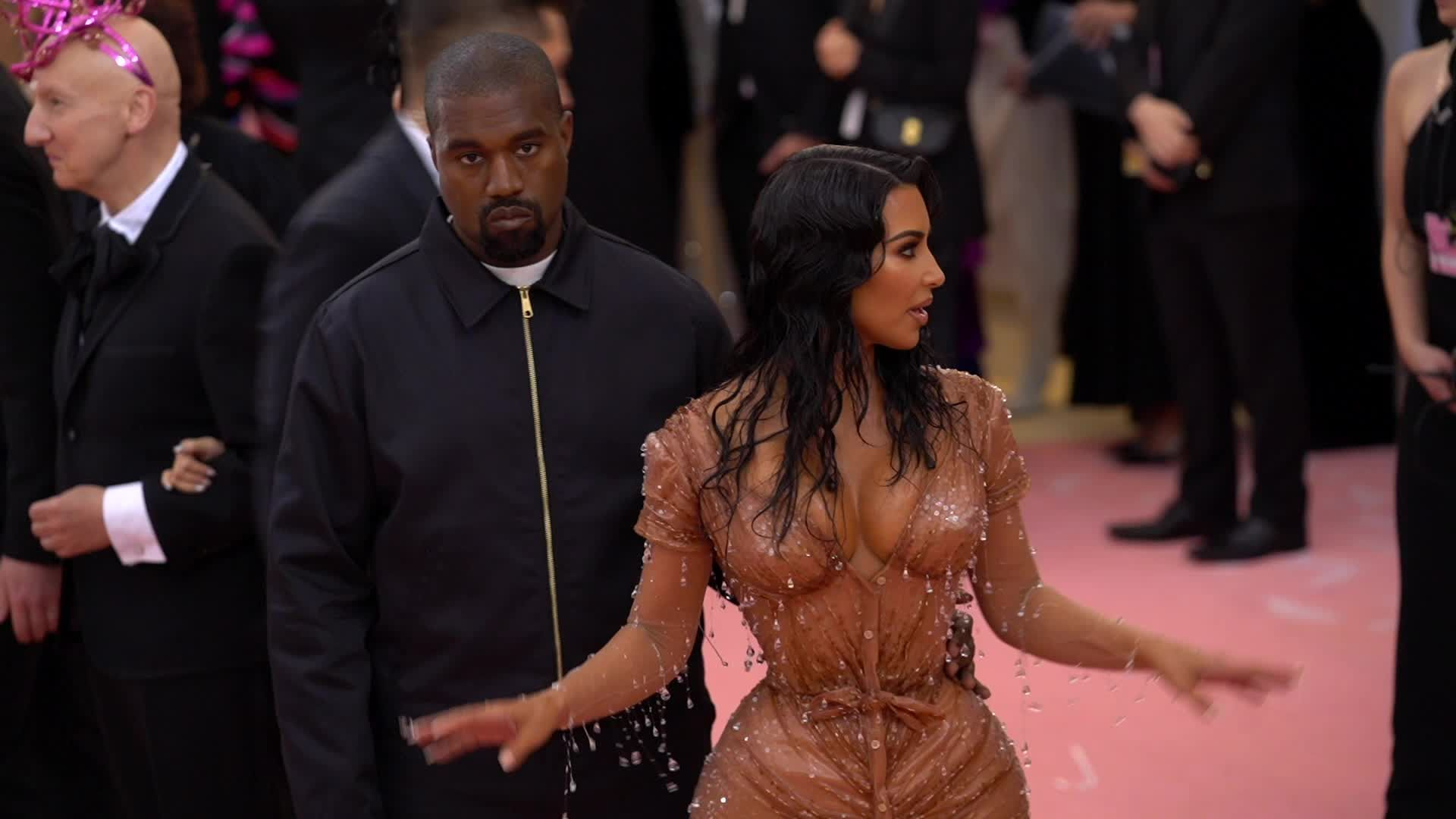 Kim Kardashian Was Emotionally Prepared to Have Her Sisters Wipe Her Pee at the Met Gala