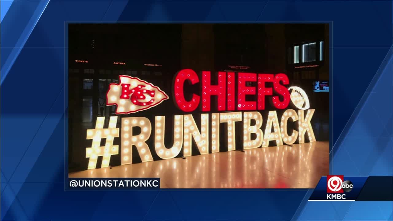 New #RunItBack Alpha Lit sign on display Union Station