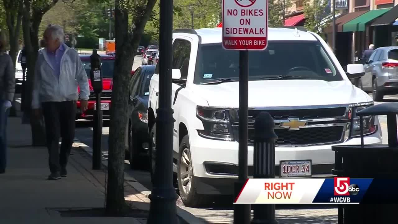 $15 fines for drivers who idle in one Mass. town