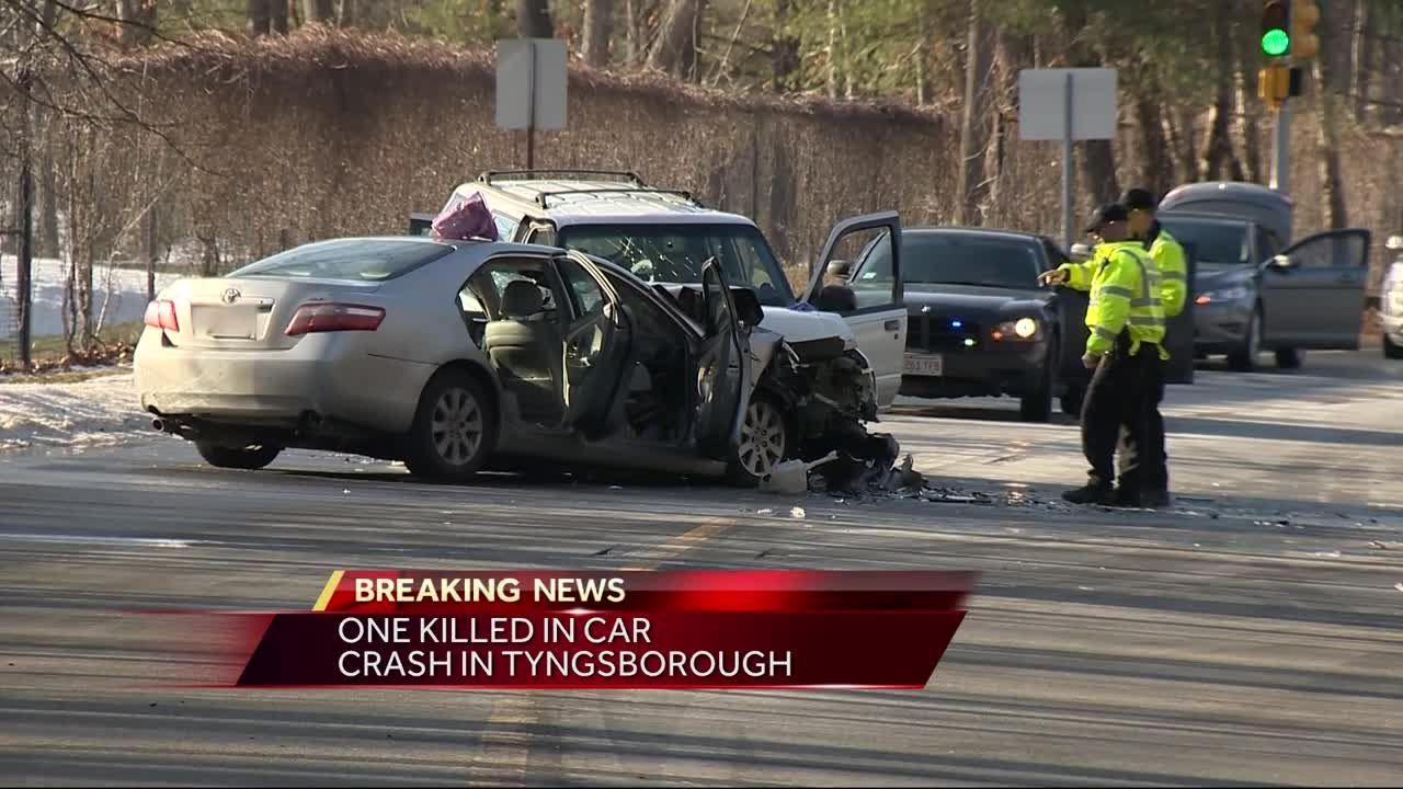 1 killed, 2 injured in car crash in Tyngsborough