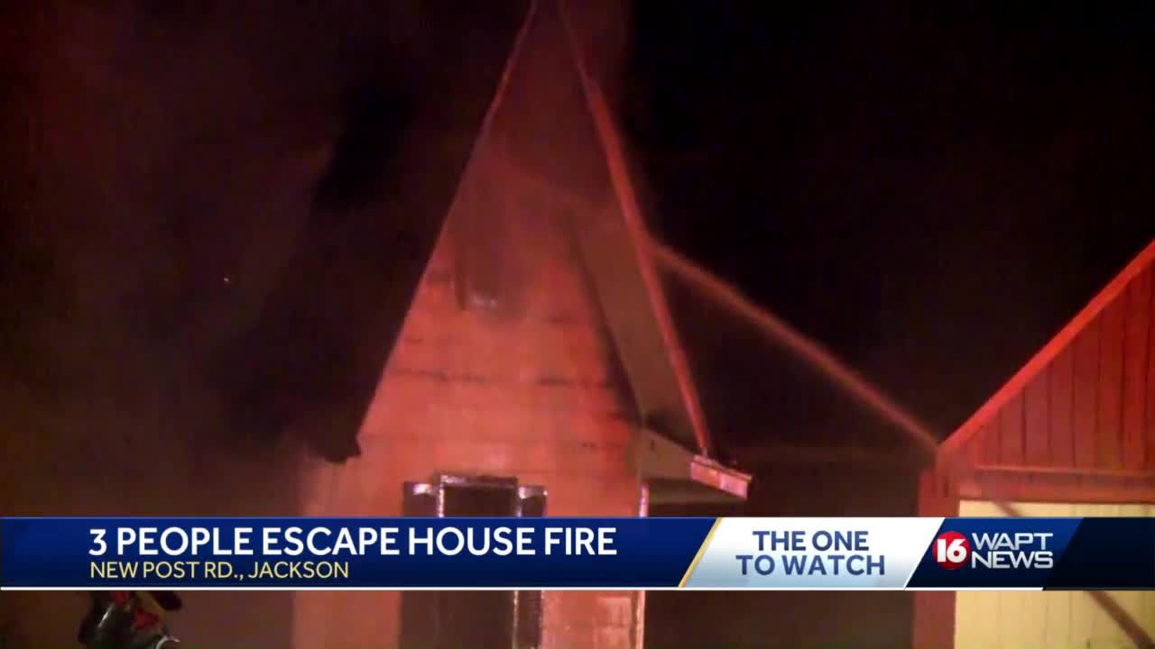 Family escapes house fire
