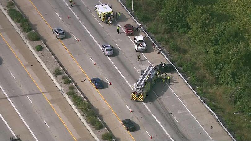 1 dead in 3-vehicle crash on I-64 West at I-264