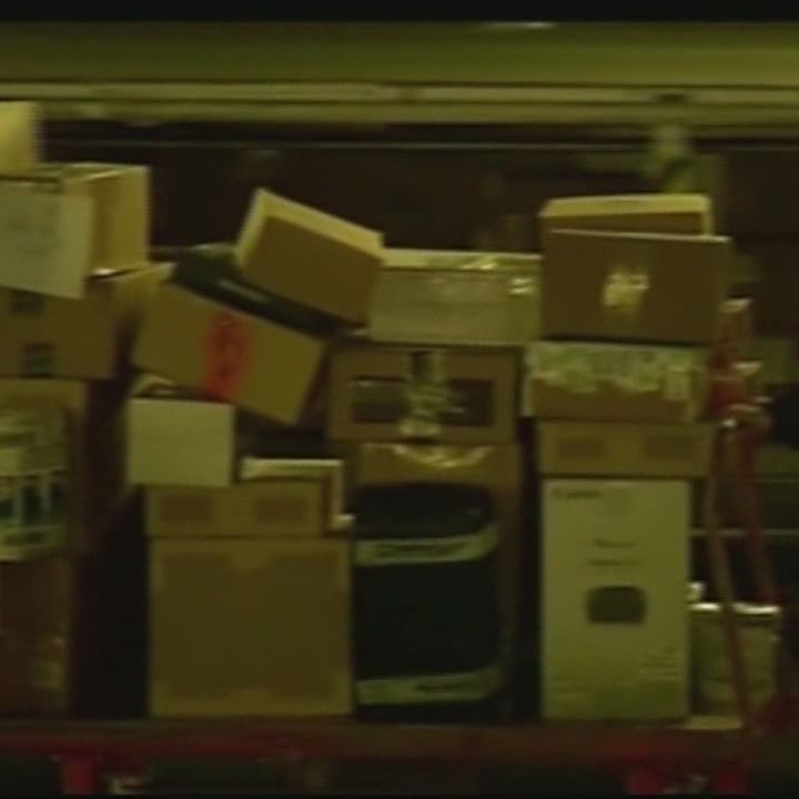 Shipping problems at FedEx, UPS cause delays across country