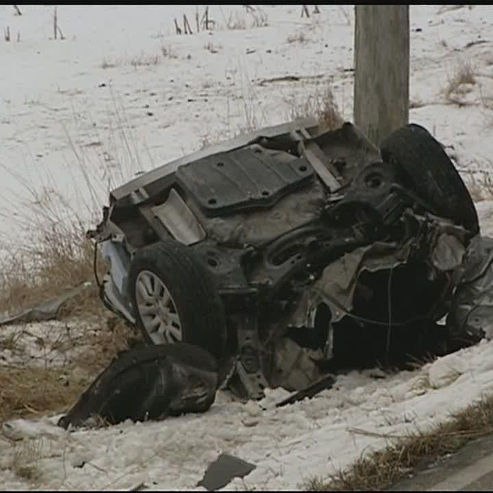2 killed after crash slices car in half in Butler County