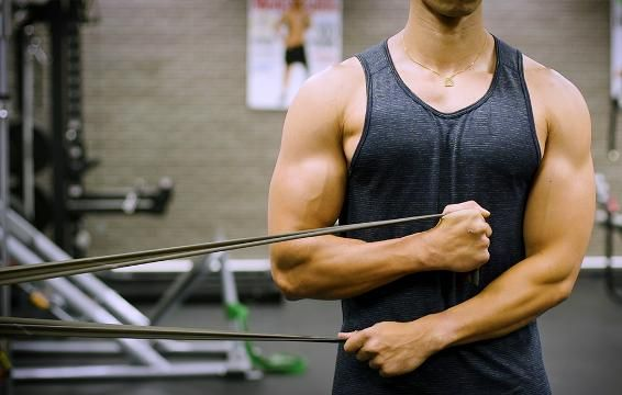 Bulletproof Your Shoulders With This Everyday Warmup Routine