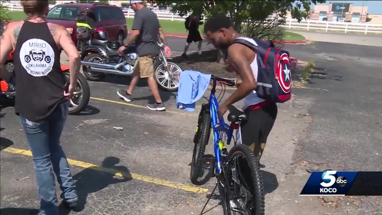'It's a blessing': Oklahoma man who walks 17 miles for work surprised with new bicycle