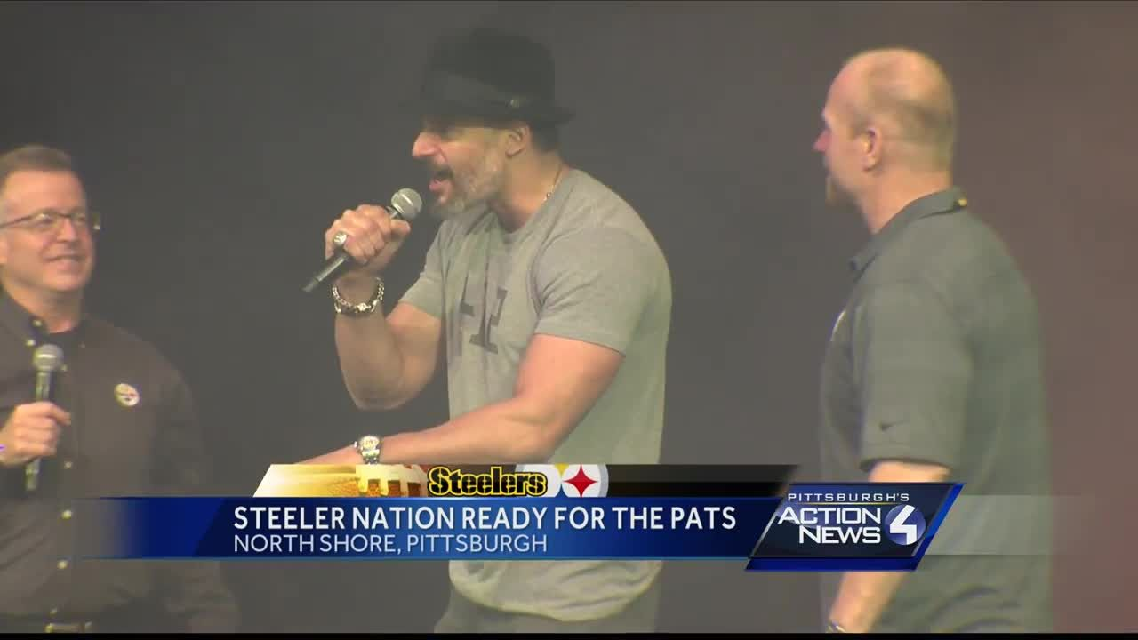 d01b65f144a Joe Manganiello, Hines Ward get Steelers fans fired up at rally for  Patriots game