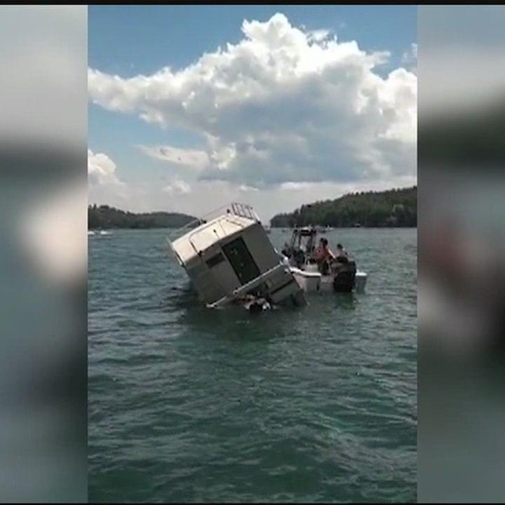 Viewer video: House boat sinks on Lake Keowee