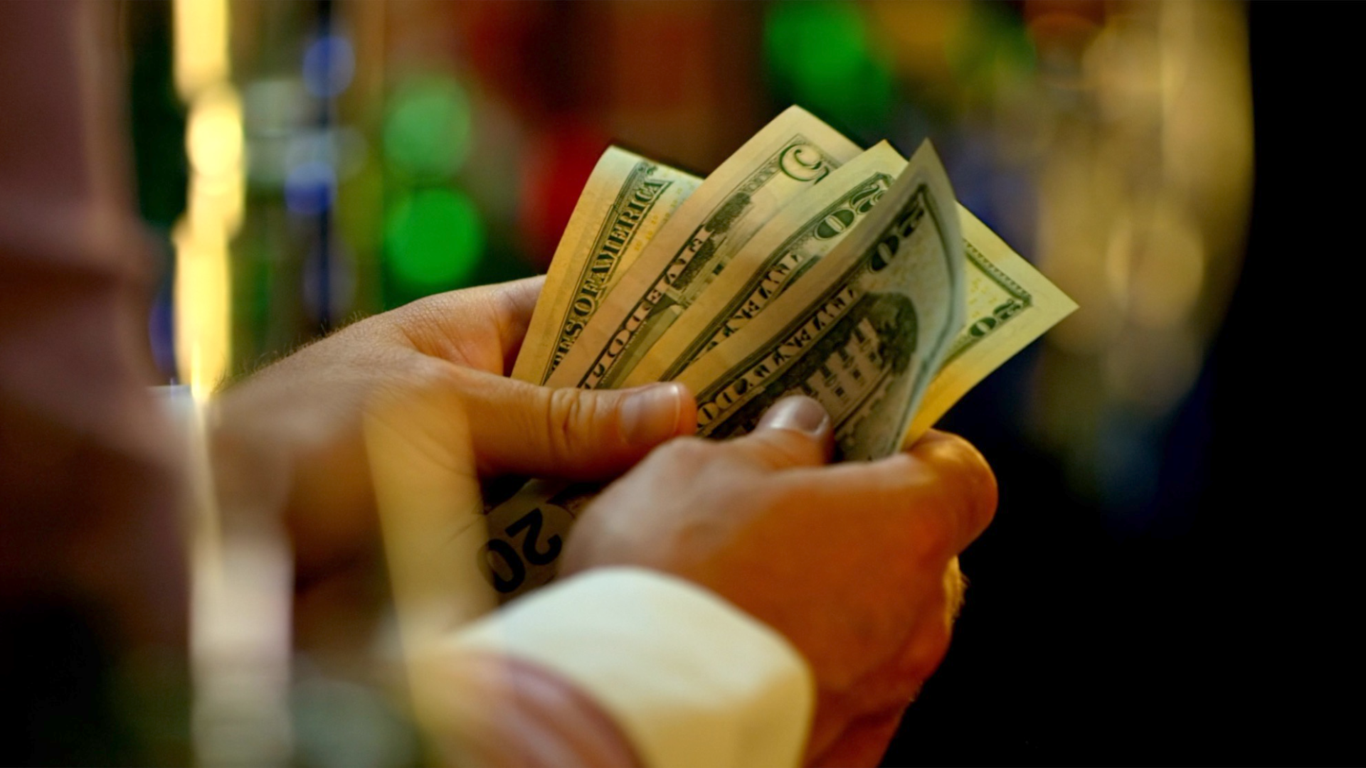 A Bartender Posted A Video Of Her $9.28 Paycheck To Shed Light On The Importance Of Tipping