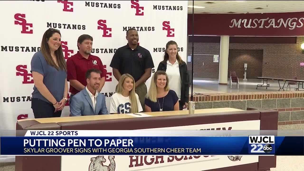 Groover signs with Georgia Southern University cheer team