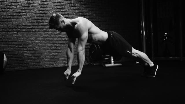 Blast Your Entire Core With These Plyometric Moves
