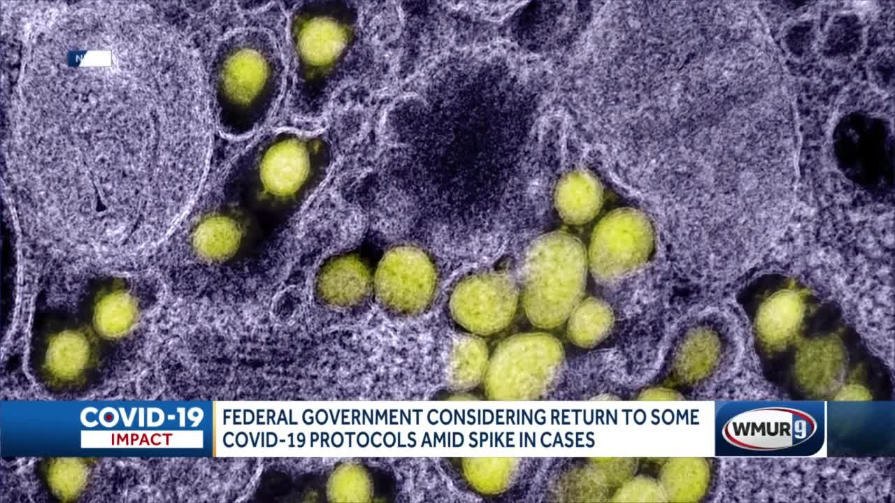 Federal government considering return to some COVID-19 protocols amid spike in cases