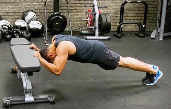 ​The Bodyweight Triceps Crusher You Can Do Anywhere