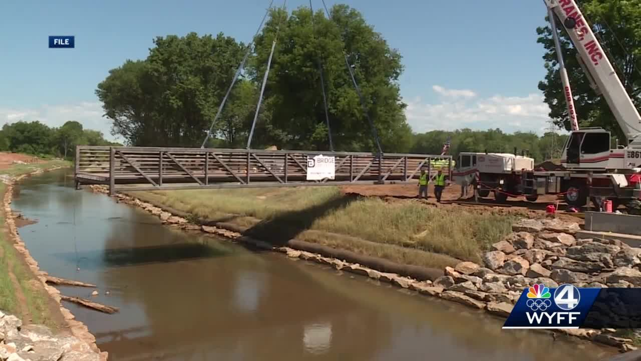 New bridge installed in Unity Park